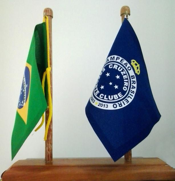 d64869d318 Bandeira de mesa do Brasil e Cruzeiro - Camarote do Torcedor